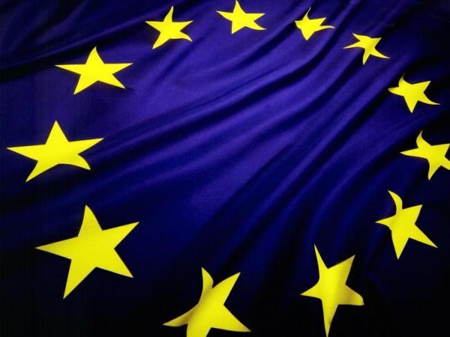 EUROPEJSKI RYNEK NOWYCH SAMOCHODÓW KOŃCZY PIERWSZĄ POŁOWĘ 2015 ROKU Z WYNIKIEM DODATNIM